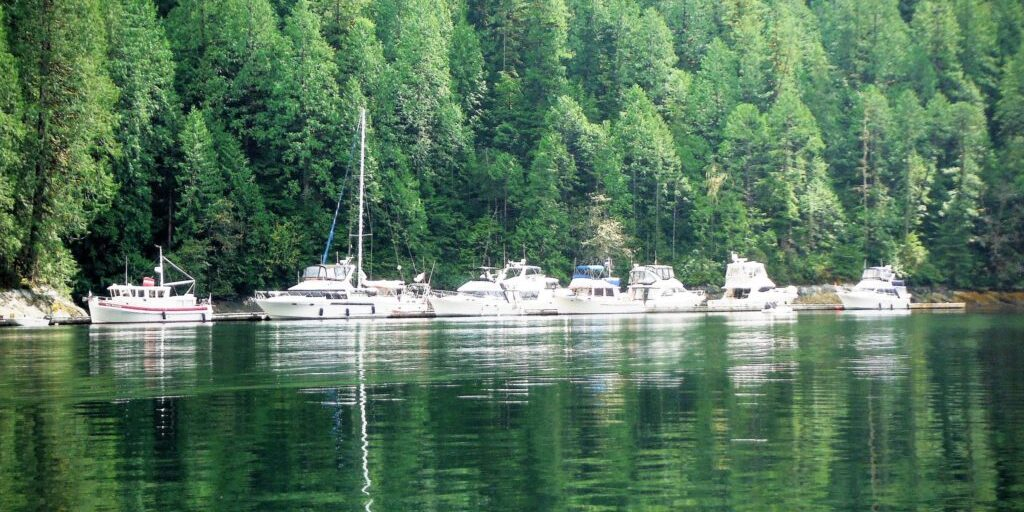 Nosps docked at Chatterbox Falls
